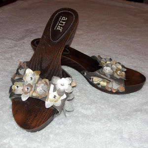 a.n.a. Floral Faux Wood Slip On Sandals NWOT 8.5